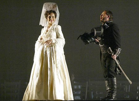 Elena de la Merced (Carolina) and Israel Lozano (Javier) in Luisa Fernanda (Washington Opera). Photo c. Robert A. Reeder