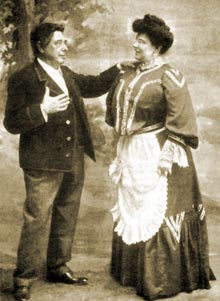 "Jose Mesejo and Joaquina Pino were the protagonists of the ill-fated premiere of ""El centro de la tierra"""